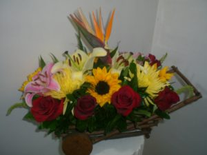 carreta de flores surtidas 600