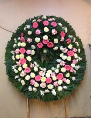 hermosa corona gigante de rosas gerberas y crisantemos  1400 pesos