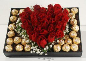 corazon de 24 rosas  y 24 ferreros 1000 pesos
