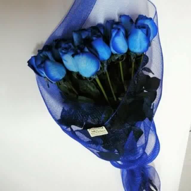 Bouquet rosas azules  18